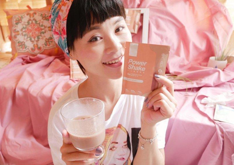 姐姐代言、韓國練習生都在喝的M2輕次方奶昔評價、試喝心得